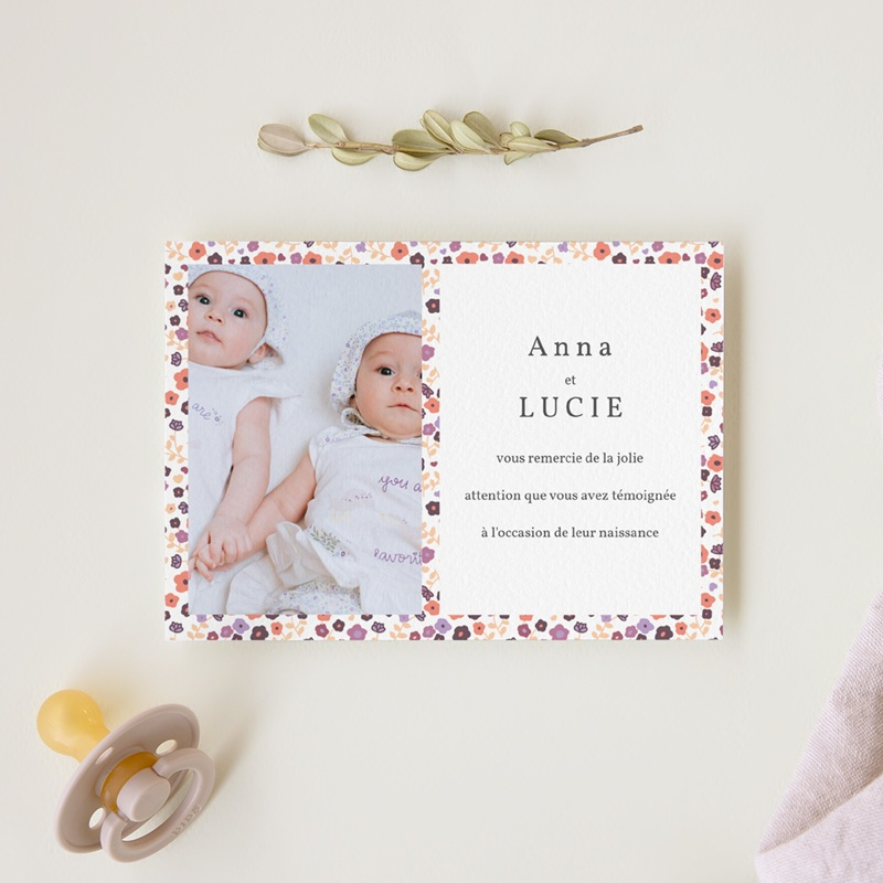 Carte de Remerciement Naissance Petit mot fleuri jumelles gratuit