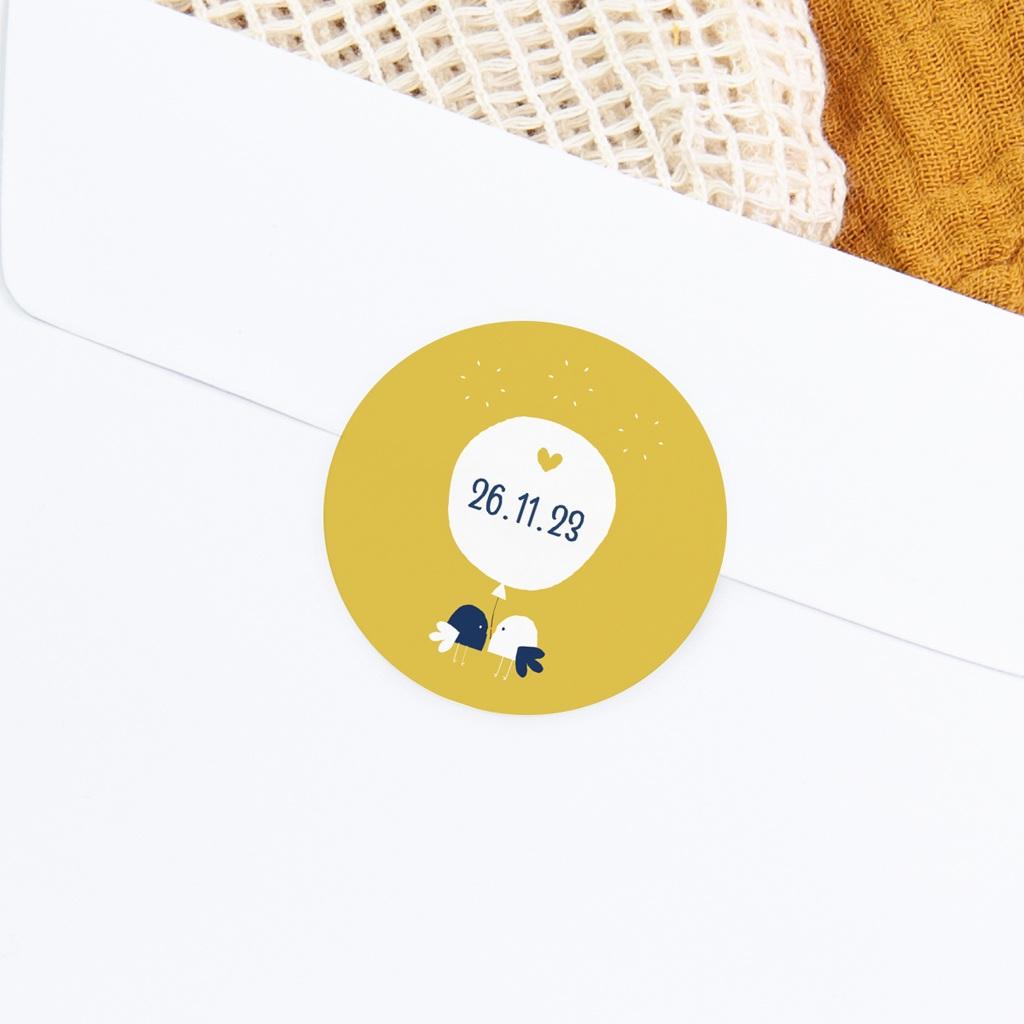 Sticker Enveloppe Naissance Joyful, Oiseaux et fond jaune gratuit