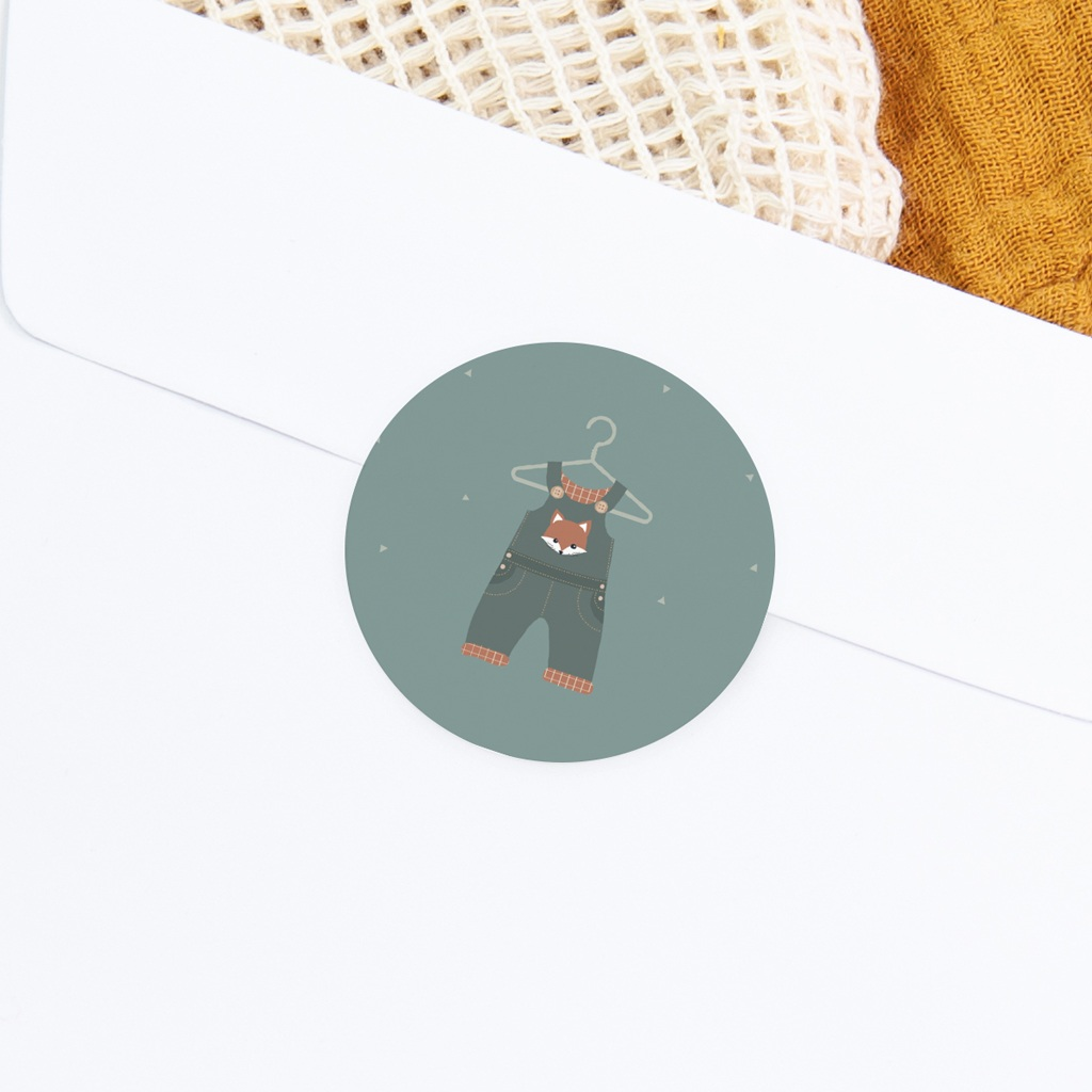 Sticker Enveloppe Naissance Salopette, décor renard gratuit