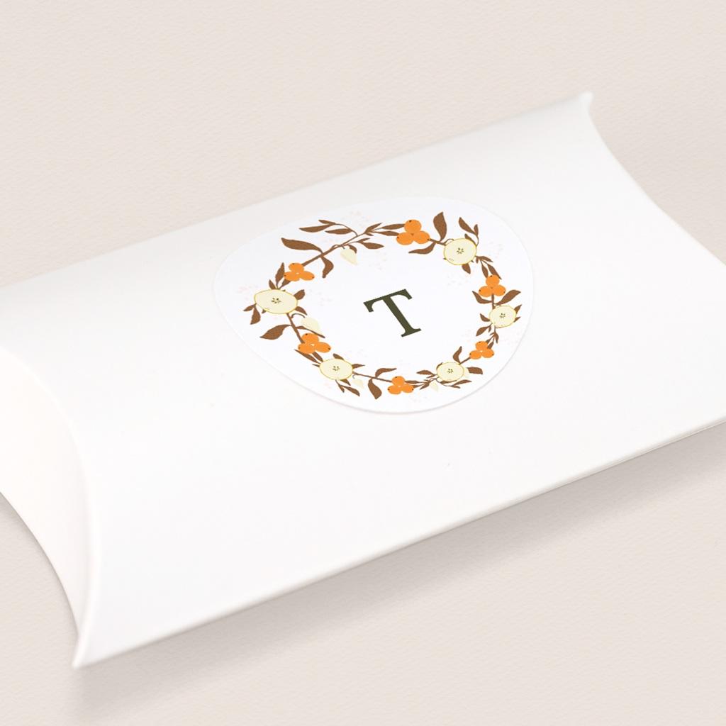 Sticker Enveloppe Naissance Couronne de fleurs et d'oranges, initiale