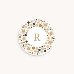 Sticker Enveloppe Naissance Couronne de soleils, arcs en ciel et initiale