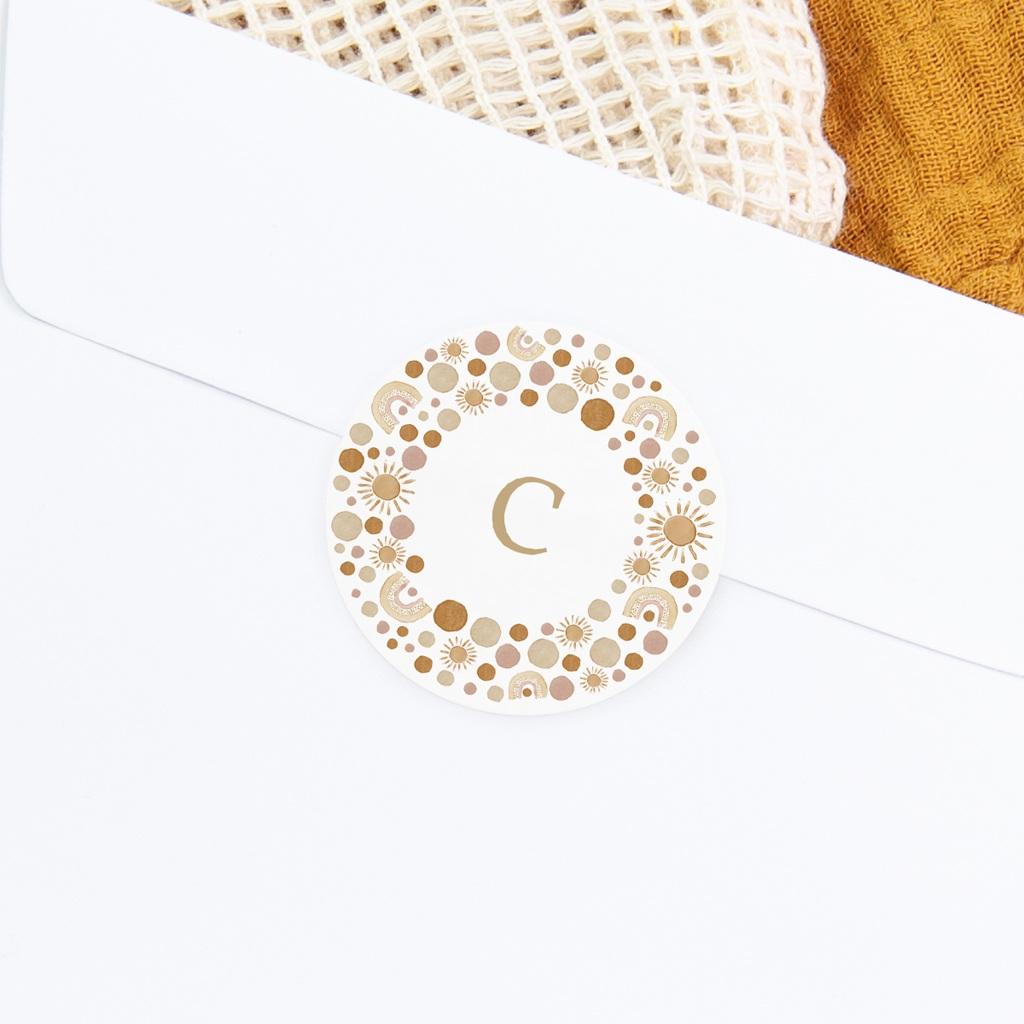 Sticker Enveloppe Naissance Galaxie ensoleillée, couronne et initiale gratuit