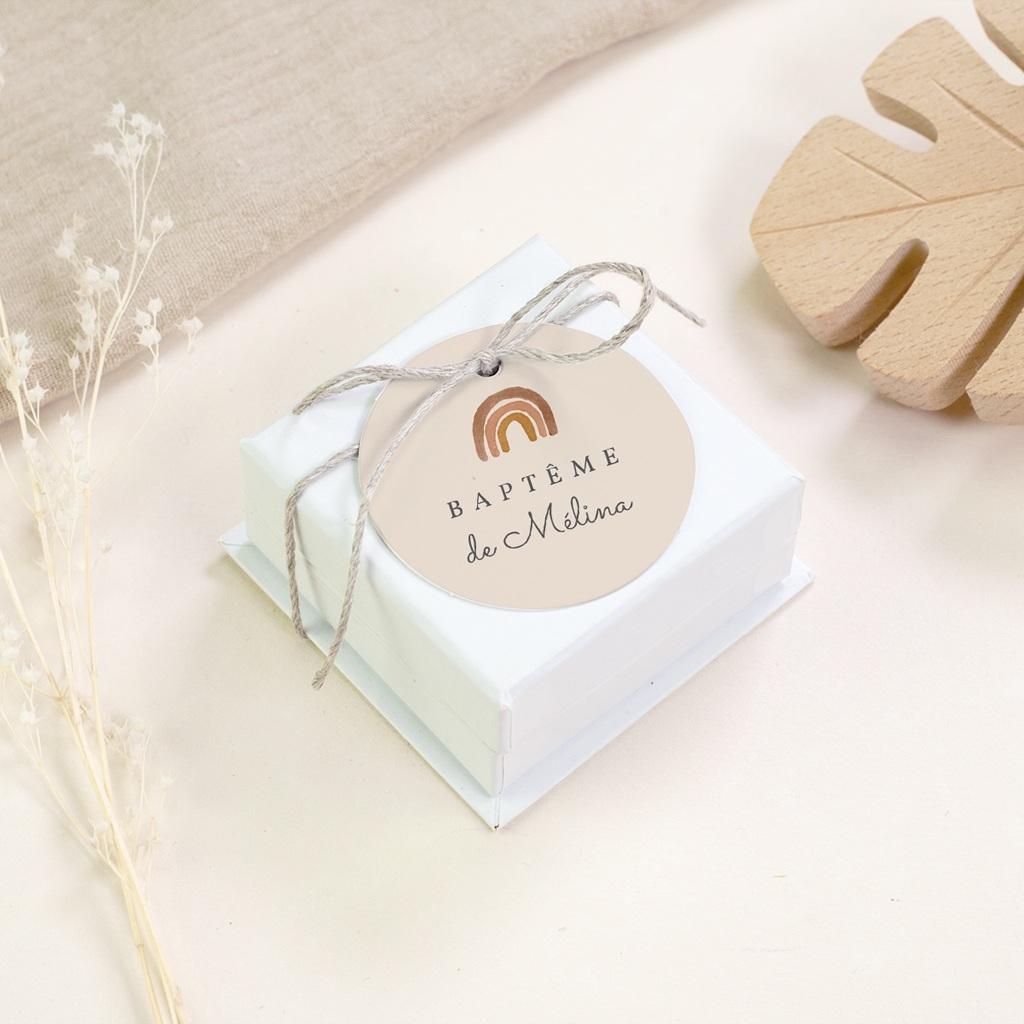 Étiquettes Cadeau Baptême Arc en ciel du bonheur, Souvenir gratuit