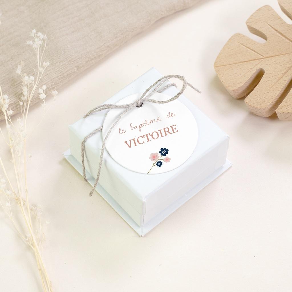 Étiquettes Cadeau Baptême Bloom, Souvenir gratuit