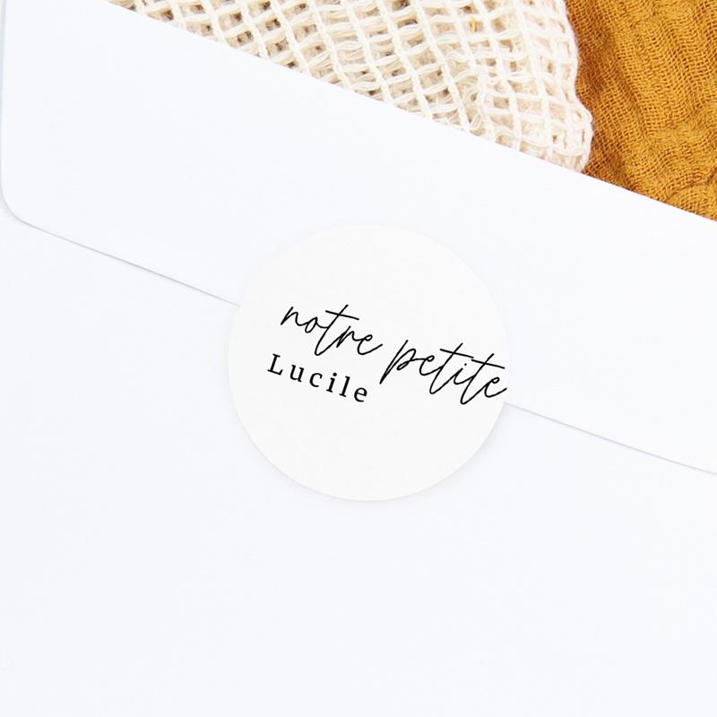 Sticker Enveloppe Naissance Petite Typo Script gratuit