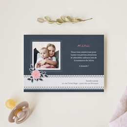Carte de Remerciement Naissance Fleuri Chic gratuit